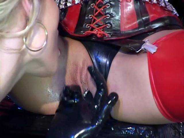 Ultra sexy lesbian babes fingering their slick quims in fetish scene