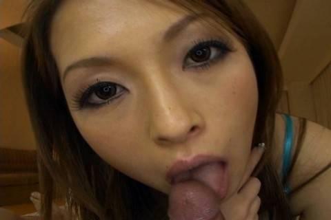 Enjoy Hikaru Houzuki giving a sexy blowjob